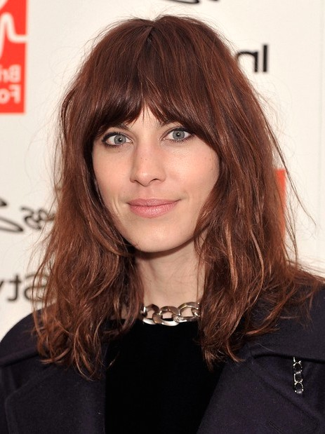 2014-Alexa-Chung-Hairstyles--Brown-Medium-Hair