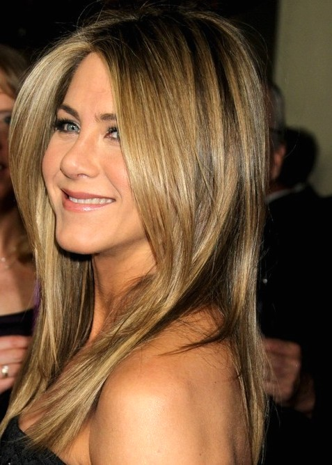2014-Jennifer-Aniston-Hairstyles-Medium-Straight-Haircut