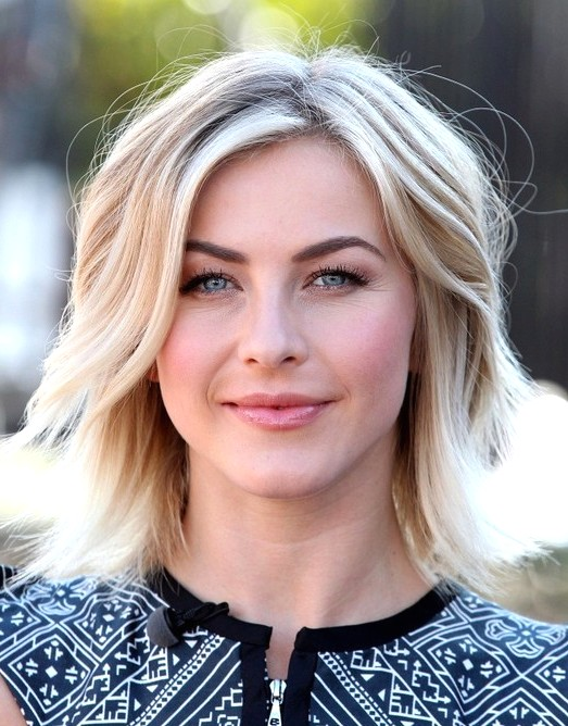 2014-Julianne-Hough-Hairstyles-Medium-Layered-Haircut