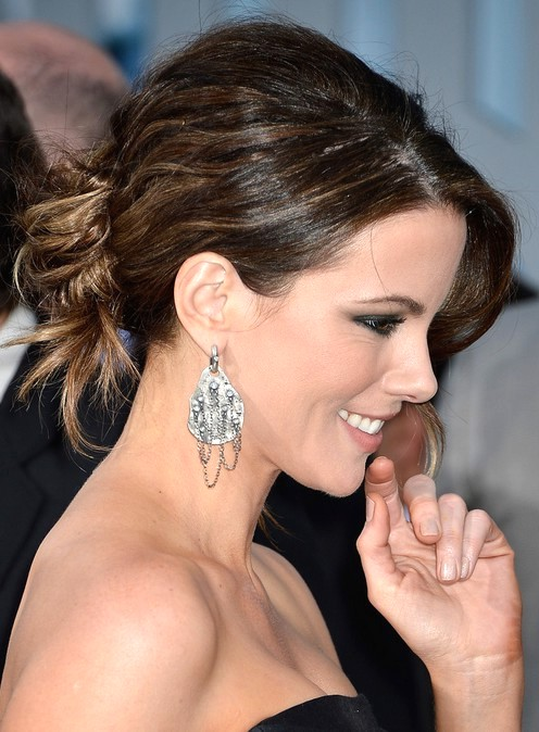 2014-Kate-Beckinsale-Hairstyles--Messy-Bun-Updos
