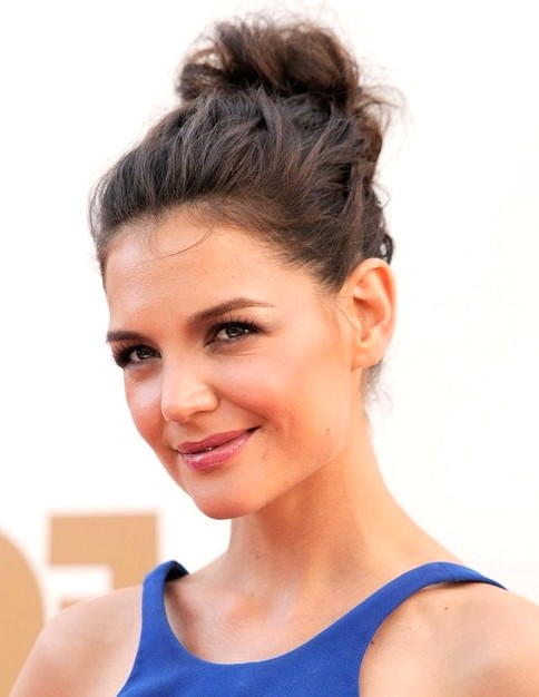 2014-Katie-Holmes-Hairstyles-Messy-Updo