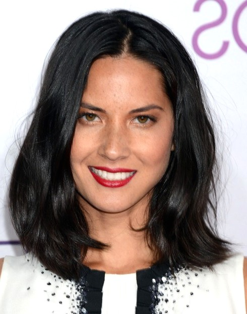 2014-Olivia-Munn-Hairstyles--Black-Straight-Hair