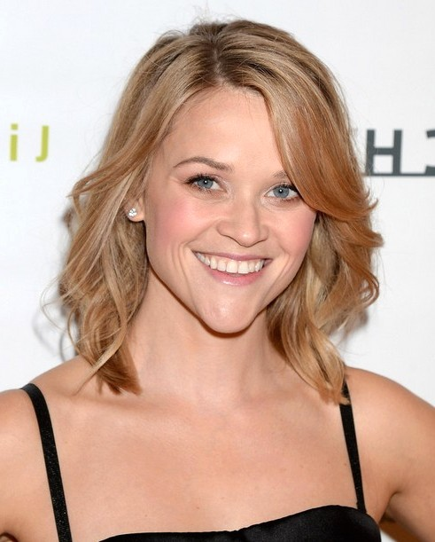 2014-Reese-Witherspoon-Hairstyles-Easy-Medium-Haircut