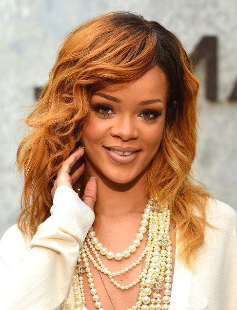 2014-Rihanna-Medium-Hairstyles-Layers-and-Soft-Waves