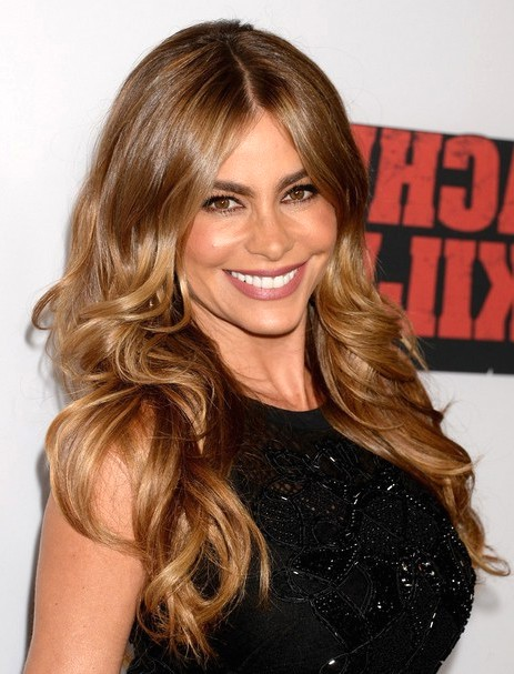 2014-Sofia-Vergara-Hairstyles-Sexy-Waves
