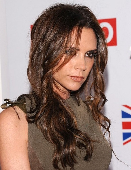 2014-Victoria-Beckham-Hairstyles--Brown-Long-Wavy-Hair