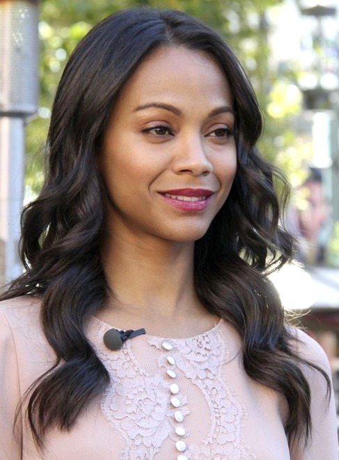 2014-Zoe-Saldana-Hairstyles-Easy-Long-Wavy-Hairstyle